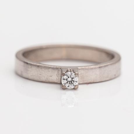 Ring, 18k vitguld, diamant ca 0.10 ct.
