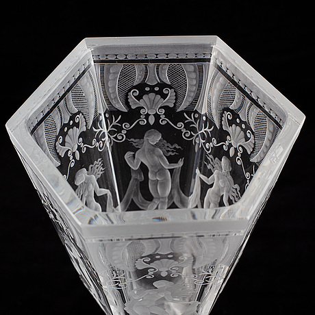 An orrefors simon gate glass vase on foot, second quater of the 20th century.