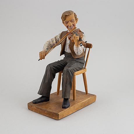 Herman rosell, skulptur, snidat och bemålat trä, signerad och daterad 1945.