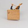 Herman rosell, skulptur, snidat och bemålat trä, signerad och daterad 1965.