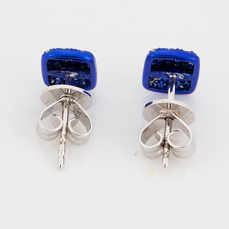 ÖrhÄngen, blå emalj med briljantslipade diamanter.