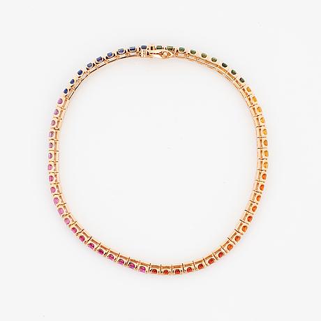 Tennisarmband, med multifärgade runda fasettslipade safirer.