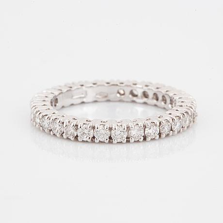 Alliansring med briljantslipade diamanter med certifikat hrd.