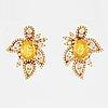 ÖrhÄngen, med gula ovala fasettslipade safirer och briljantslipade diamanter.