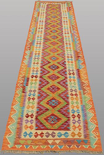 Gallerimatta, kelim, ca 384 x 85 cm.
