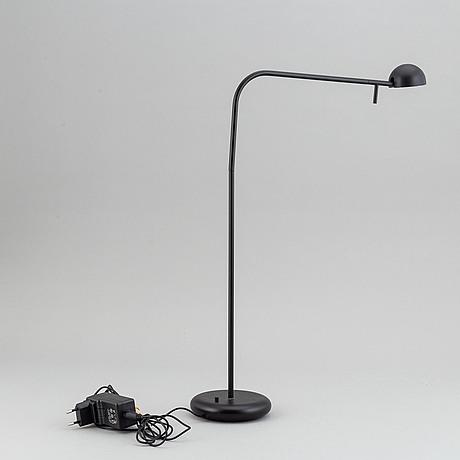 Ichiro iwasaki, a 'pin' table light for vibia.