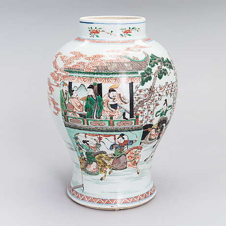 A porcelain vase in kangxi style from late qing dynasty, circa 1800's.
