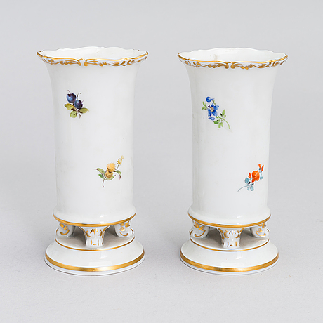 A set of 20th century eight meissen porcelain objects.