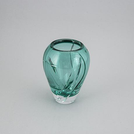 Gunnar cyrÉn, a glass vase, orrefors.