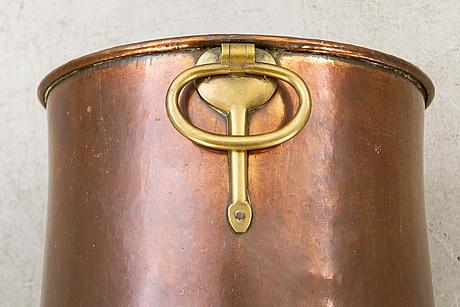 Tunna med hÄnklar, koppar, 1800-tal.