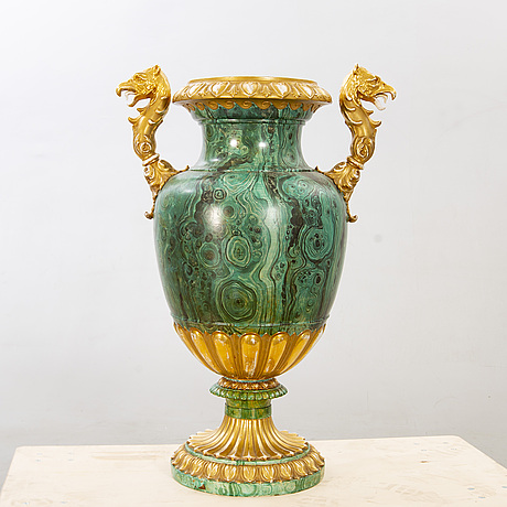 A possibly russian porcelain urn, later part of the 19th century.
