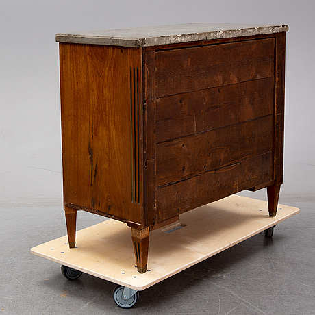 A late 19th century gustavian style chest of drawers.