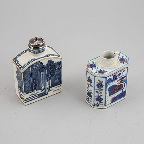 Two chinese tea caddies, qing dynasty, 18th century.
