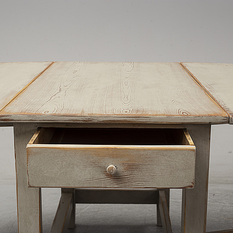 A swedish late 19th century painted gate-leg table.