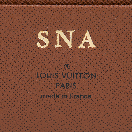 Louis vuitton, a monogram 'large ring agenda cover'.