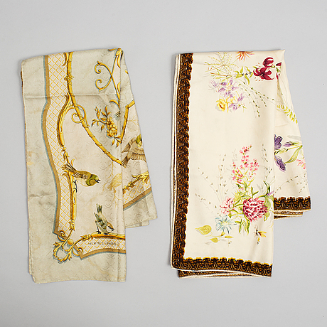 Hermès, two silk scarves, including 'la cle des champs'.
