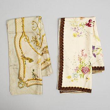 Hermès, two silk scarves, including 'La Cle des Champs'.