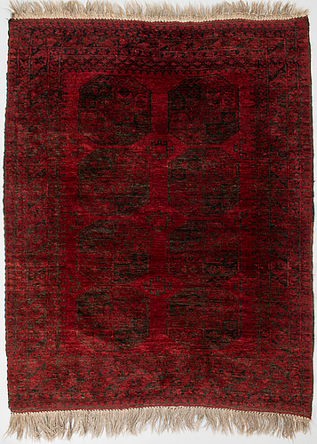 A semi-antique afghan rug. ca. 194x152 cm.