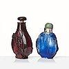 Snusflaskor, två stycken, pekingglas. sen qingdynasti.