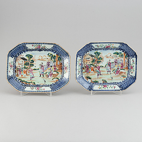 A pair of famille rose serving dishes, qing dynasty, qianlong (1736-95).