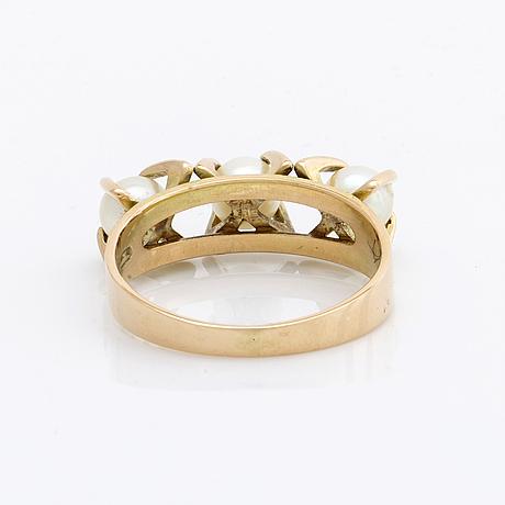 Elis kauppi, ring 14k guld, m 3 cultured pearls approx 4 mm, kupittan kulta 1967 finland.
