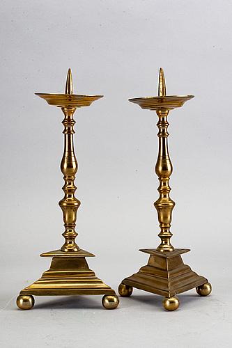 Ljusstakar, ett par barock, 1600-tal.