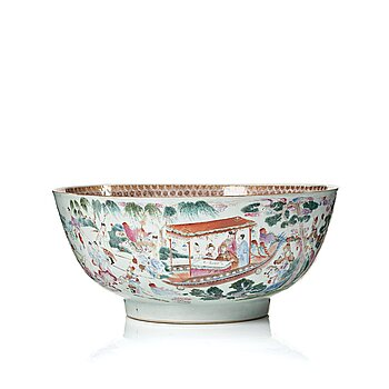 805. A large famille rose punch bowl, Qing dynasty, Qianlong (1736-95).