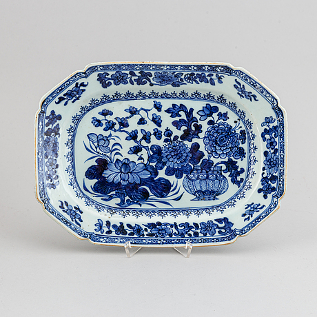 Serveringsfat, kompaniporslin. qingdynastin, qianlong (1736-95).