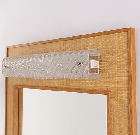 Spegel, med belysning. ab nybrofabriken, 1900-talets andra hälft.