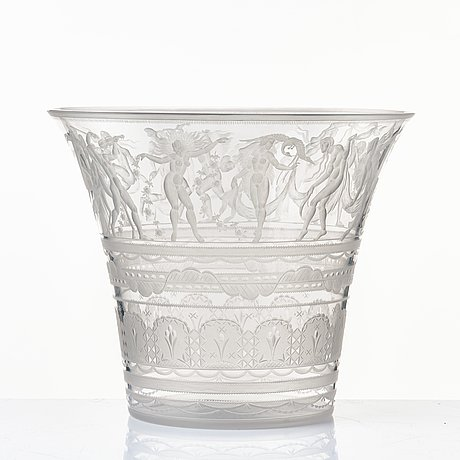 Simon gate, an engraved glass bowl with plate, orrefors, sweden 1923, model 122.