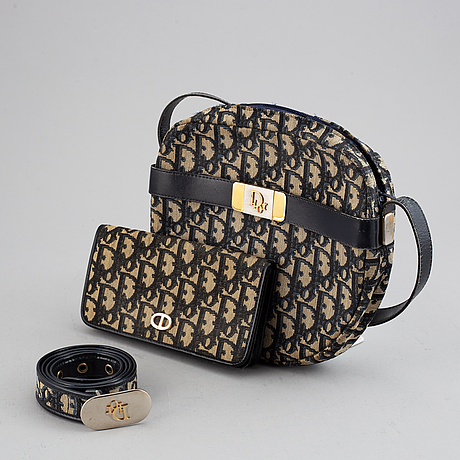 Christian dior, axelremsväska, plånbok samt skärp.
