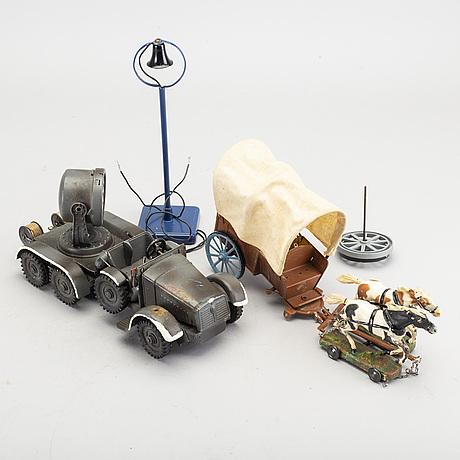 Hausser, samling elastolinfigurer samt fordon, tyskland, 1930-40-tal.