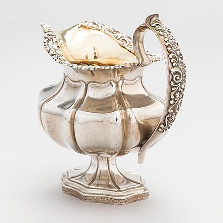 Olof robert lundgren, maitokannu, hopeaa, leimattu orl, turku 1843.