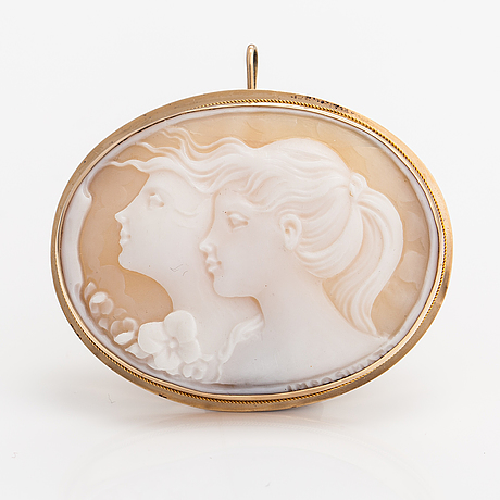 A 14k gold and sea shell cameo brooch/pendant. italy. marked imposimato.