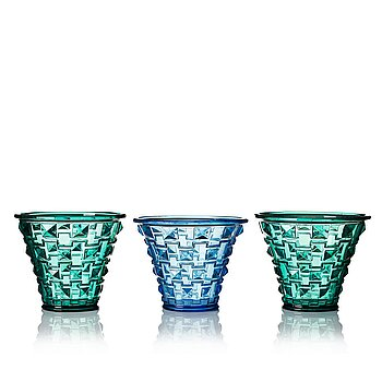 5. Simon Gate, a set of three pressed glass vases, Orrefors 1930.
