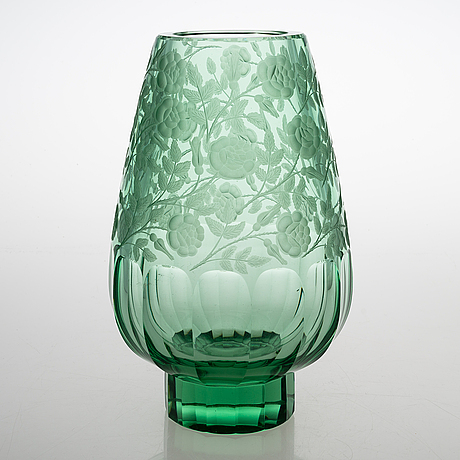 A crystal vase from latter half of 20th century.