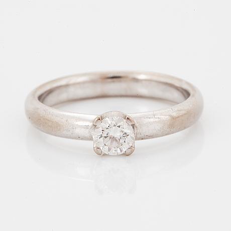 Ring, med briljantslipad diamant.