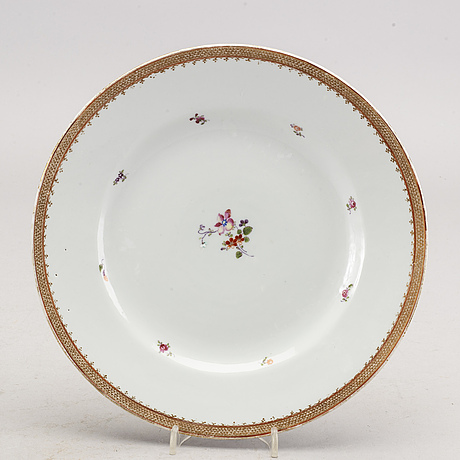 A set of 17 famille rose plates, qing dynasty, qianlong (1736-95).