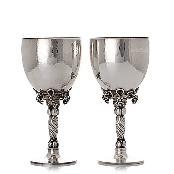 152. Georg Jensen, a pair of sterling silver wine glasses, Copenhagen 1988 & 1996, design nr 263.