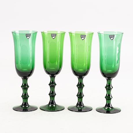 Simon gate, a set of 17 champagne glasses 'salut'.