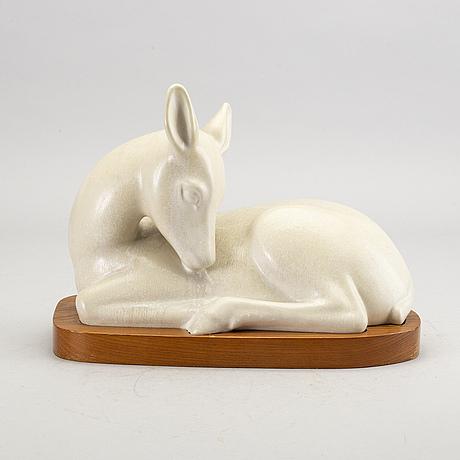 Gunnar nylund, a stoneware sculpture, numbered 13/250.