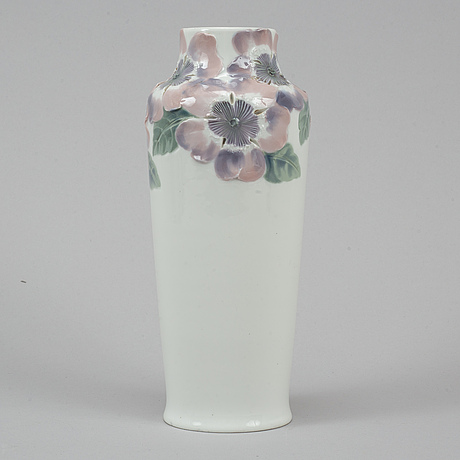 Mela anderberg, porcelaine vase, first half of the 20th century.
