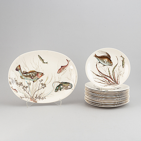"A part dinner service, johnson bros, england, ""fish"". (16 pieces)."