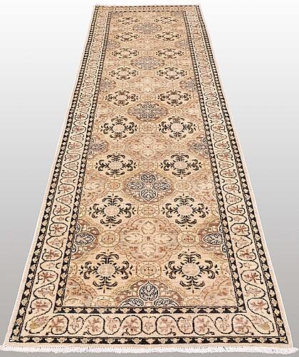 Gallerimatta, ziegler design, ca 313 x 96 cm.
