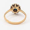 Ring, 18k guld, safir, diamanter ca 0.24 ct tot.