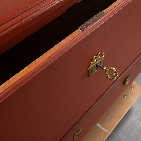 A late gustavian chest of drawers, first half of the 19th century.