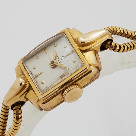 Omega, wristwatch, 15 x 19 mm.