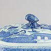 A blue and white tureen with cover, qing dynasty, jiaqing.