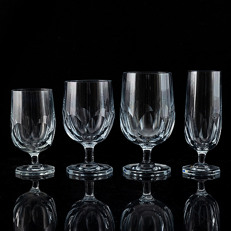 A swedish glass service, gerda strömberg, 'håtuna', strömbergshyttan, (85 pc).