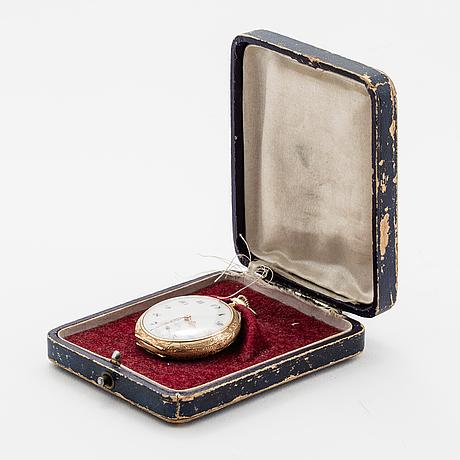 A 34 mm pocket watch.